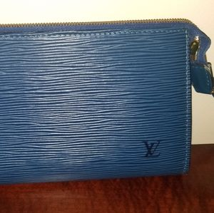 Louis Vuitton Epi clutch wallet wristlet AUTHENTIC